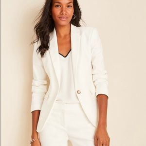 NWT The One-Button Blazer in Linen Herringbone